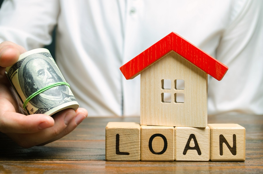 What are the Pros and Cons of a Money Loan?